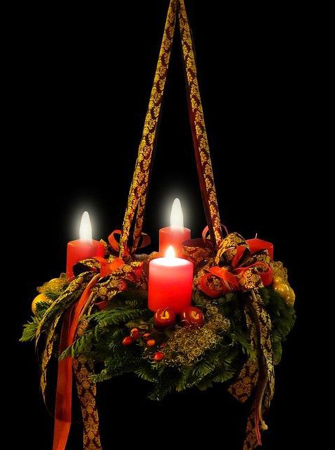 Symbolfoto Adventskranz 3. Advent